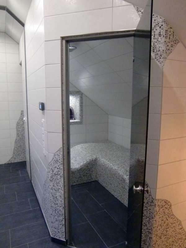 dampfbad in dachschr ge dampfbad und dampfbadbau. Black Bedroom Furniture Sets. Home Design Ideas