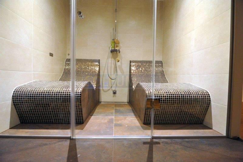 dampfsauna mit liegen dampfbad und dampfbadbau. Black Bedroom Furniture Sets. Home Design Ideas