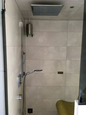 Soleinhalation in der Dusche