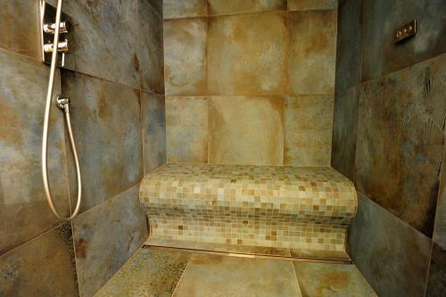 Dampfdusche mit Duschsitz