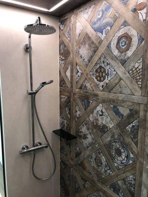 Duscharmatur in der Dampfdusche
