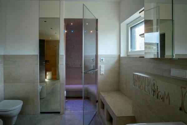 Luxusbad mit Dampfsauna