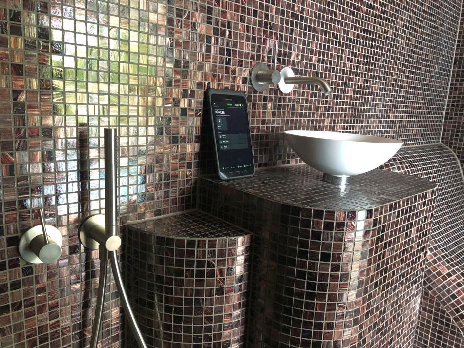 Smartes Dampfbad von SOLEUM mit Touch Display